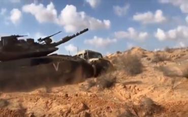 الدبابات الإسرائيلية تتدرب على تدمير مركبات عسكرية صغيرة