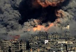 المقاتلات الإسرائيلية تواصل غاراتها في غزة واتصالات وقف النار مستمرة