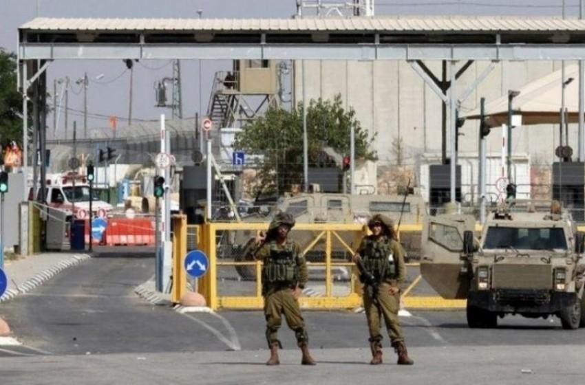 الجيش الاسرائيلي يفرض طوقا على الضفة ويغلق معابر غزة