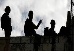 اتهام ضابط إسرائيلي بالتنكيل بفلسطينيين