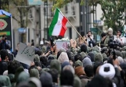 صحفي إسرائيلي: هذا هو الوقت المناسب لضرب إيران
