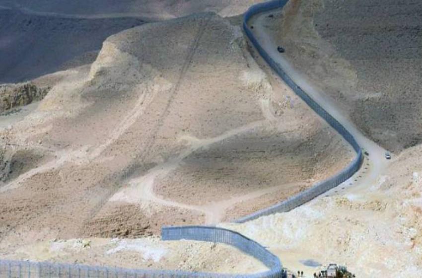"""""""إسرائيل"""" تنهي بناء جدار فاصل على الحدود الأردنية"""