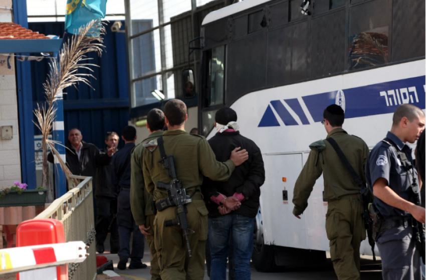 """القناة 10: أسرى حماس في سجون """"إسرائيل""""  يهددون بالإضراب عن الطعام"""