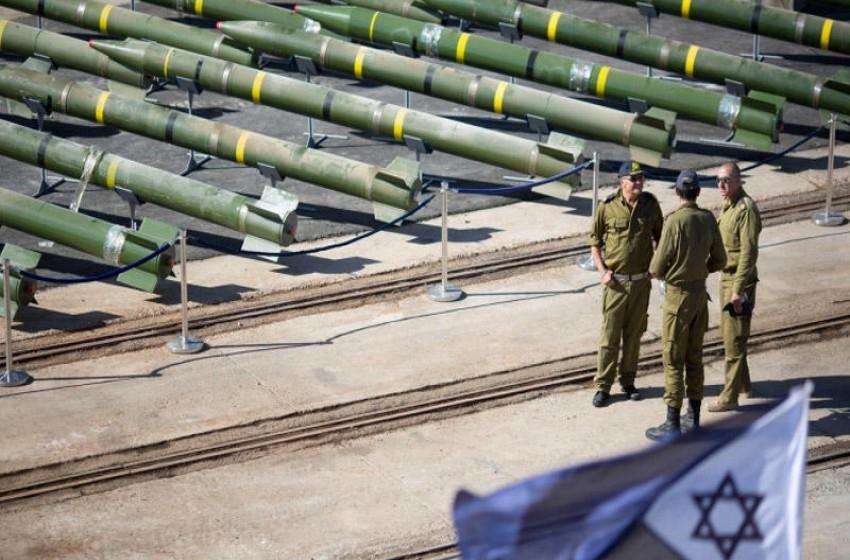 إسرائيل وإيطاليا توقعان صفقة أسلحة متبادلة