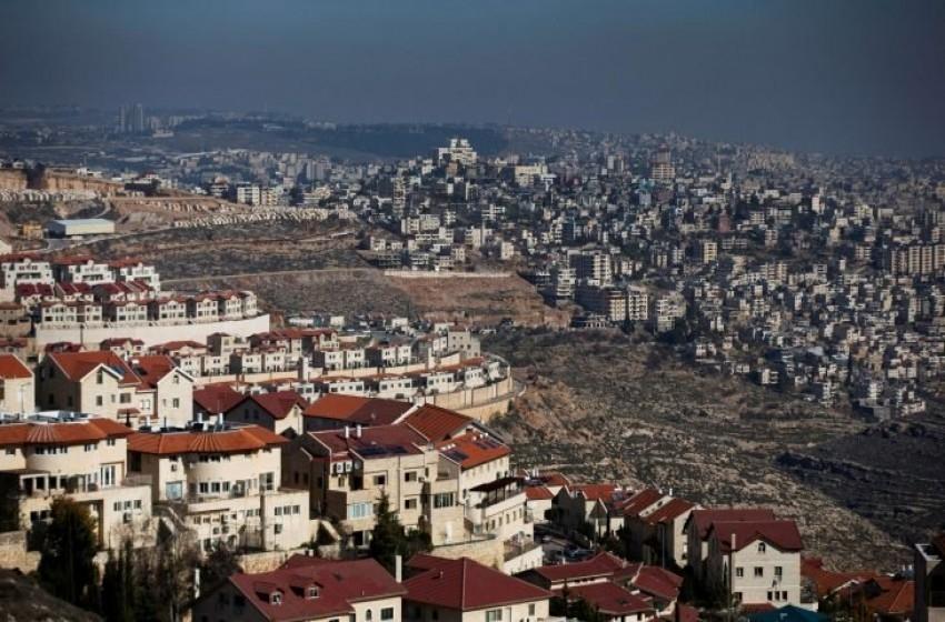 """الجيش """"الإسرائيلي"""" يعتقل 8 فلسطينيين بالضفة الغربية ليلاً"""
