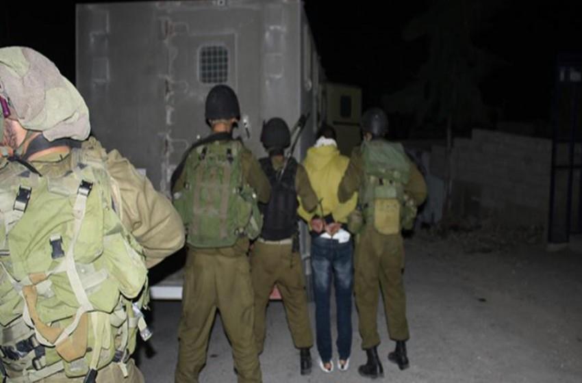 الجيش الإسرائيلي يعتقل 15 فلسطينيا من الضفة الغربية