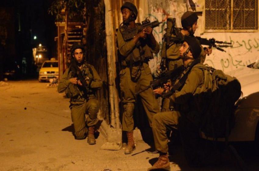 إلقاء عبوة متفجرة تجاه دورية للجيش الإسرائيلي بالخليل