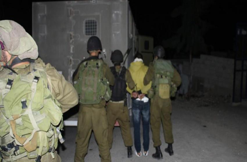 """""""الجيش الإسرائيلي"""" ينفذ حملة إعتقالات بالضفة تطال أعضاء تشريعي"""