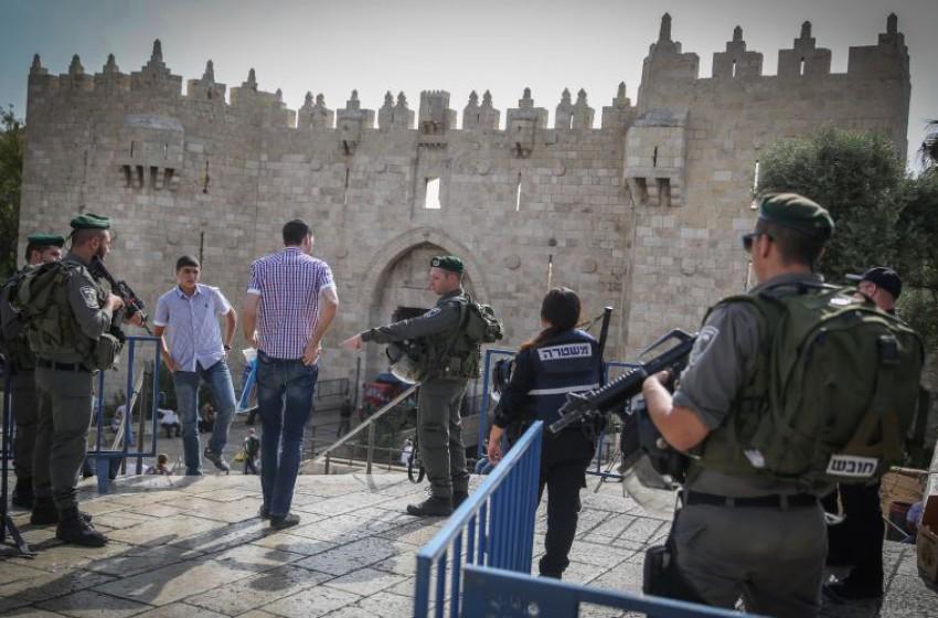 """خطة """"إسرائيلية"""" لتقييد حركة الفلسطينيين في باب العامود"""