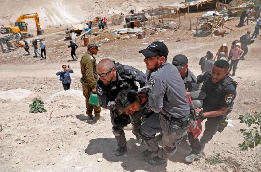 """""""إسرائيل"""" ترجئ هدم الخان الأحمر شرق القدس"""