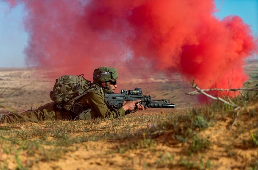 تعرف على وحدة الاستطلاع الصحراوية بالجيش الإسرائيلي قرب غزة
