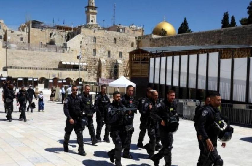 """233 إنتهاكا """"إسرائيليا"""" بحق الصحافيين الفلسطينيين خلال 6 أشهر"""