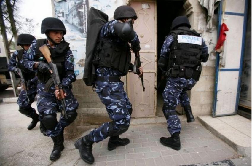 """موقع والا: السلطة الفلسطينية أحبطت عمليات لحماس في """"إسرائيل"""""""