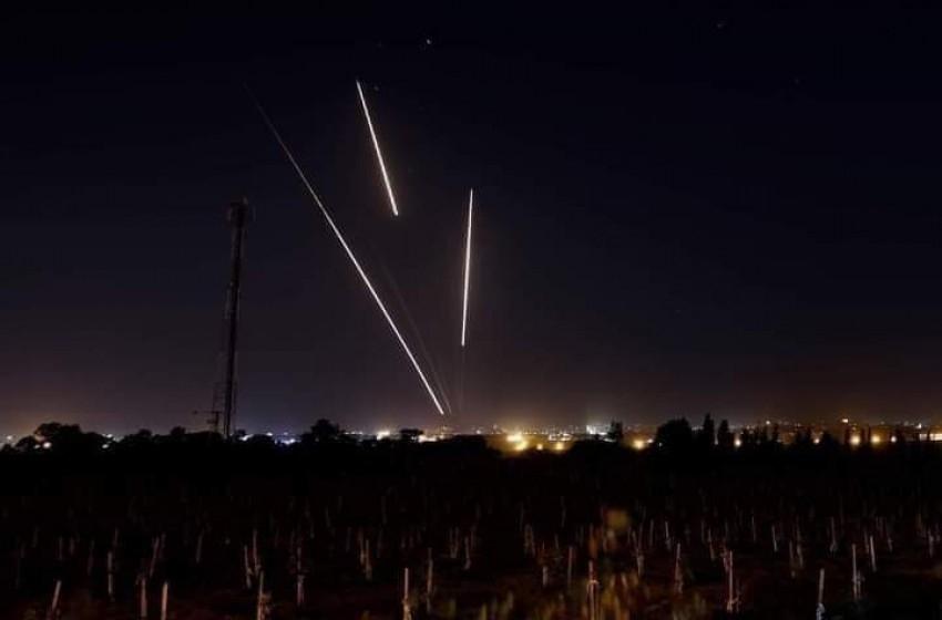 رشقة صاروخية من قطاع غزة صوب عسقلان