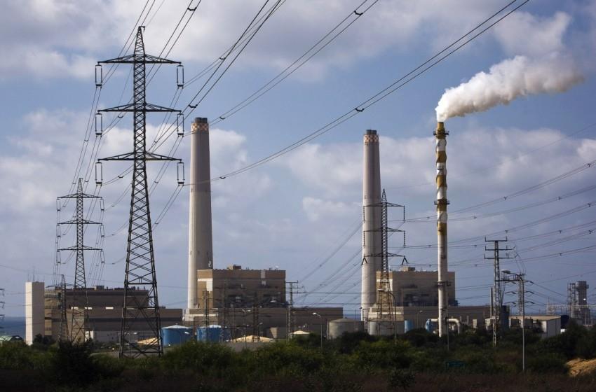 السلطة الفلسطينية تسدد 300 مليون شيكل للكهرباء الإسرائيلية