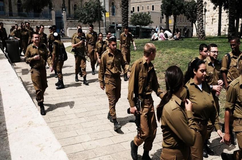 عزل وحدة عسكرية كاملة بعد إصابة 8 جنود بفيروس كورونا