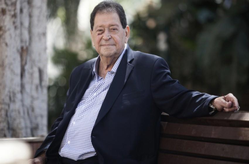"""وفاة وزير الدفاع """"الإسرائيلي"""" السابق بنيامين (فؤاد) بن إليعازر"""