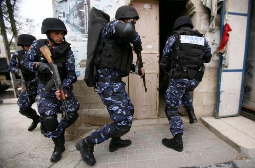 ريشت بيت: السلطة تعتقل فلسطينياً من الخليل خطط لتنفيذ عملية تفجيرية