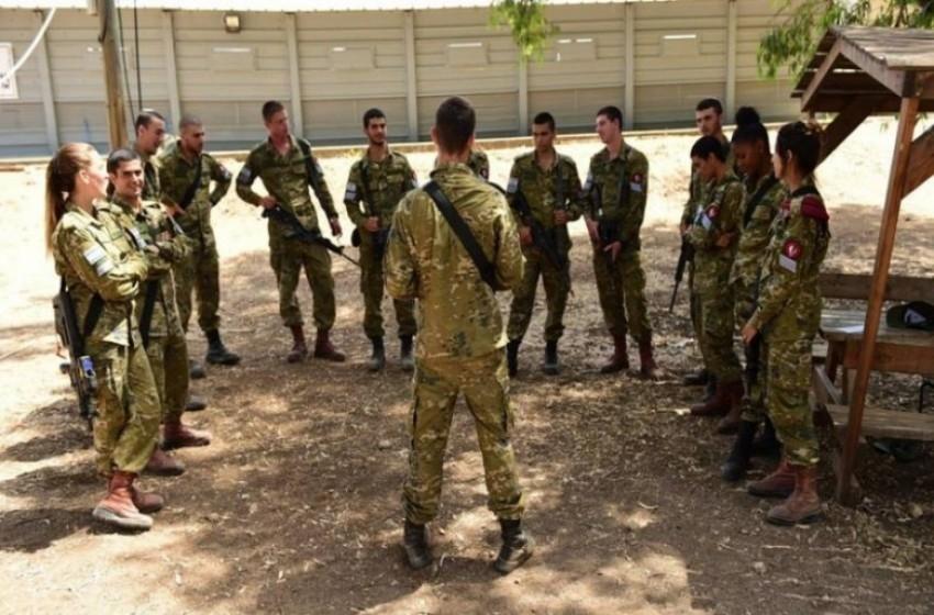 القناة 12: الجنود يتجمعون ولا ينصاعون للتعليمات