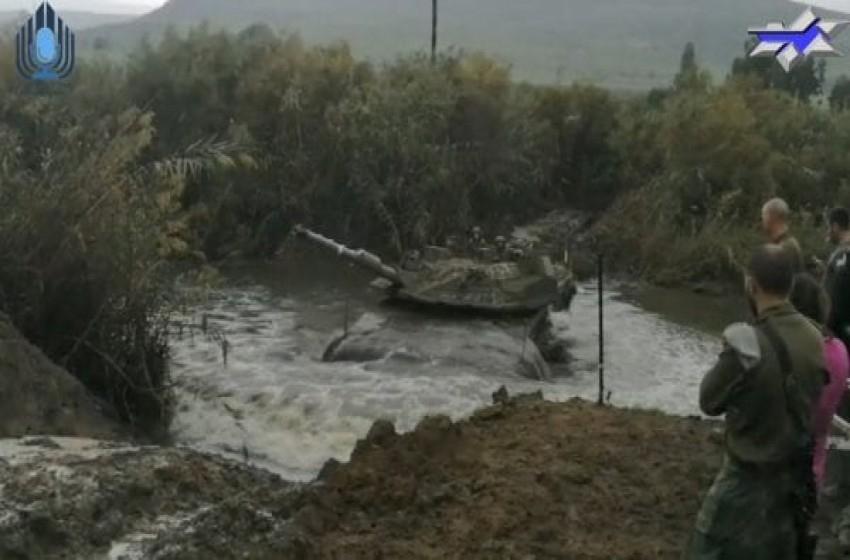 """الجيش يجري تدريبات على مدرعة """"النمر"""" في المناطق الوعرة"""
