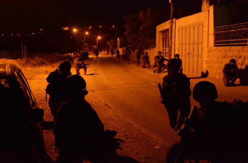 الجيش الإسرائيلي يشن حملة اعتقالات واسعة في صفوف حماس بالضفة الغربية