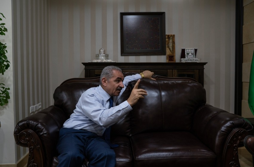 لا مبالاة إسرائيلية تجاه تهديدات السلطة بتسريح عناصرها الأمنية
